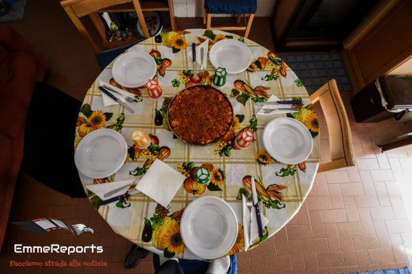 Coronavirus, gli italiani rispondono anche a tavola