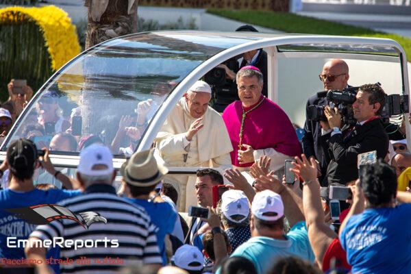"""Papa Francesco: """"Non lasciarci in balia della tempesta"""""""