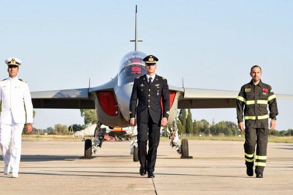 L'Aeronautica Militare consegna le aquile turrite ai nuovi piloti al servizio del Paese