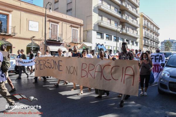 Sanatoria migranti, manifestazione a Palermo per il permesso di soggiorno