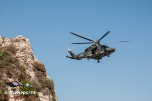 Un HH-139A del 15° Stormo soccorre un uomo in Calabria