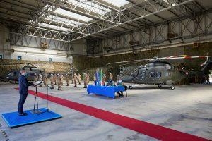 Leonardo consegna il primo elicottero AW169 da addestramento per l'Esercito Italiano