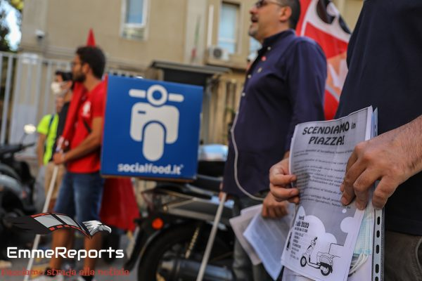 Palermo, assemblea e sciopero delle consegne dei lavoratori Socialfood