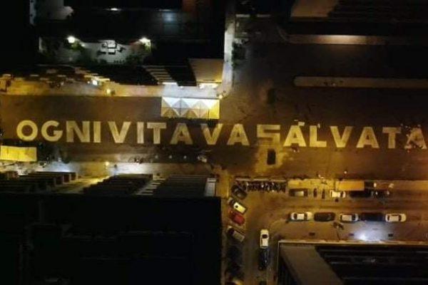 """""""Ogni Vita Va Salvata"""": la maxi scritta delle Sardine per il Palermo Pride 2020"""