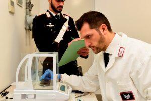 Carabinieri arrestano uno spacciatore in via Danisinni
