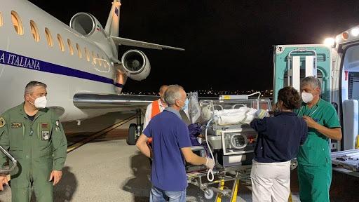Aeronautica Militare. Neonato in pericolo di vita trasportato da Catania a Genova