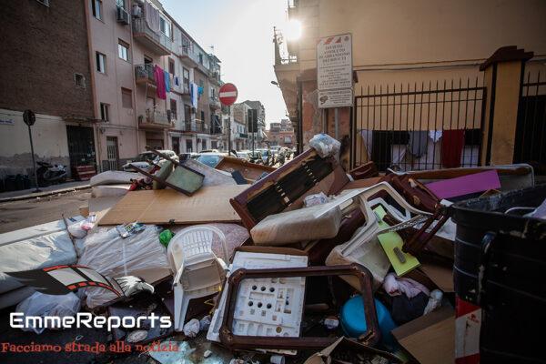 Noce: frigoriferi, materassi e rifiuti per le strade