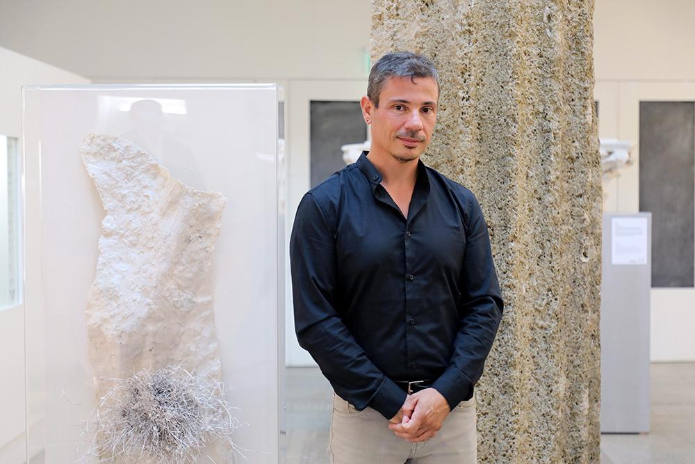 """""""Na Palma de Uma Rocha"""": a Lisbona le sculture dell'artista siciliano Giacomo Rizzo"""