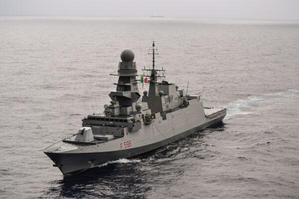 Nave Martinengo nel Golfo di Guinea
